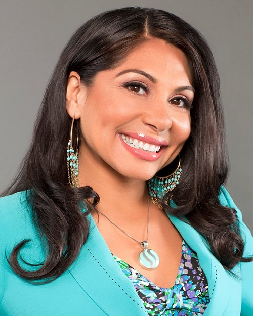 Episode #10- Deborah Deras – How to get paid to speak with the nation's top Latina Peak Performance Speaker